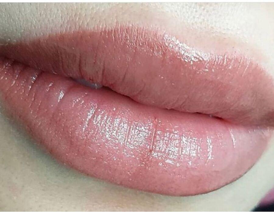 создание идеального контура губ