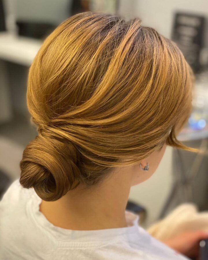 укладка волос пучком